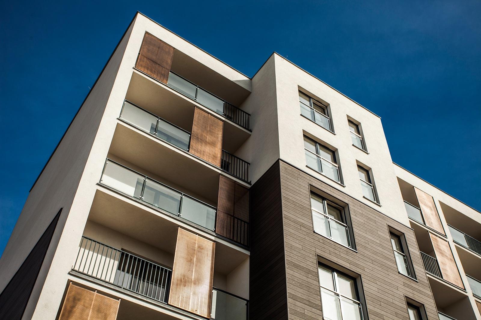 Investimento no mercado imobiliário - Imagem ilustrativa de um prédio